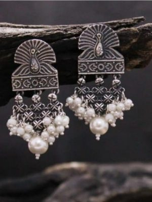 Oxidized Pearl dropping peacock earring